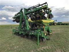2014 John Deere 1720 CCS 16R30 Stack Fold Planter