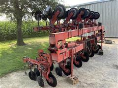 Yetter 4592 Field Cultivator
