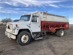 1985 International 1954 S/A Fuel Truck
