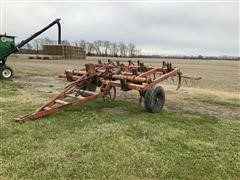 Case 1800 Chisel Plow