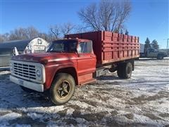 1974 Ford F700 S/A Grain Truck