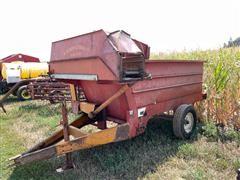 Kelly Ryan Feed-R-Wagon Feeder Wagon
