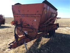 Oswalt 370 Feeder Wagon