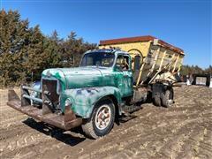 International R 200 Feed Truck