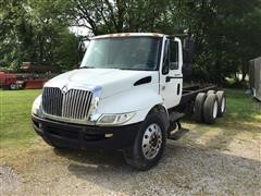 2008 International 4300 SBA T/A Cab & Chassis