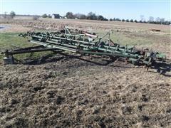 John Deere 1010 31' Field Cultivator