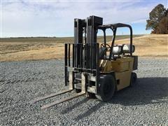 Caterpillar V50D Forklift