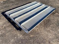 John Deere S670 Combine Sieve