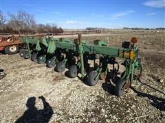 John Deere 856 8R30 Row Crop Cultivator