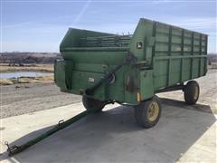 John Deere 714A Forage Wagon