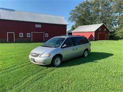 2001 Chrysler Town & Country Mini Van