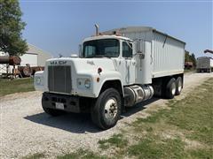1986 Mack R688ST T/A Grain Truck