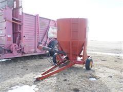 Massey Ferguson Grain Transport W/Hydraulic Auger Discharge
