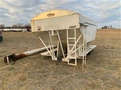 Willmar 1610 Fertilizer Tender Box