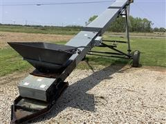 2012 USC 200230UC Seed Conveyor Load Out