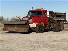 1992 International 4900 Dump Truck/sand Spreader W/blade