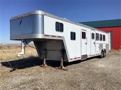 2004 Featherlite 8581 T/A 4 Horse Slant Livestock Trailer