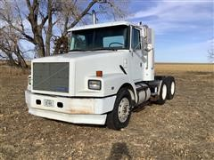 1992 White/GMC WG64T T/A Truck Tractor