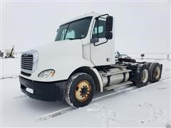 2005 Freightliner Columbia 120 T/A Day Cab Truck Tractor