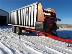 2009 Meyer 6624 Forage Wagon