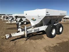 Willmar Super 600 T/A Dry Fertilizer Spreader