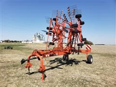KUHN GA7501 Center-Delivery Rotary Rake