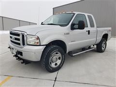 2006 Ford F350XLT Super Duty 4x4 Extended Cab Pickup