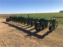 John Deere 886 Row Crop Cultivator