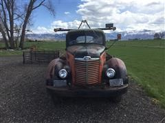 1948 International KB-6 Flatbed T/A Winch Truck
