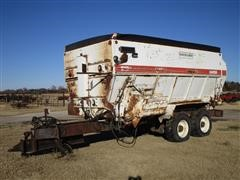 Harsh 810H High Roughage Feed Wagon On T/A Truck Frame
