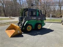 2014 John Deere 318E Skid Steer Loader