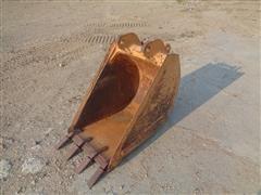 Case 680 Backhoe Bucket