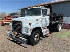 1979 Ford 800 S/A Dump Truck