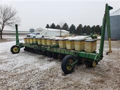 John Deere 7100 12R22 Planter