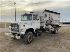 1988 Ford L8000 Feed Truck W/Harsh 575 Box