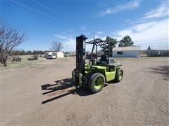 Clark IT-40 Forklift