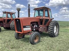 Allis-Chalmers 7000 2WD Tractor
