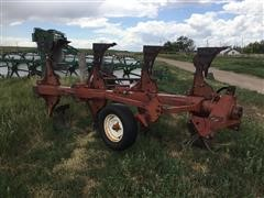 International 140 4 Bottom Rollover Plow