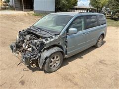 2008 Chrysler Town & Country Minivan