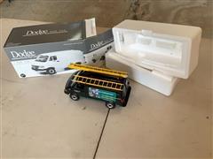 Dodge First Gear 1:34 Van W/Ladders