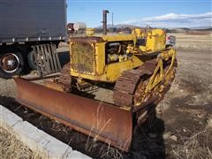 Caterpillar D4 Track Dozer (INOPERABLE)