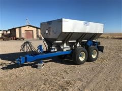 2011 Doyle GWD6T Pull Type Dry Fertilizer Spreader