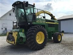 John Deere 6650 Forage Harvester