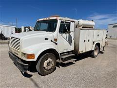 2000 International 4700 Service Truck