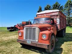 1970 International 1650 T/A Grain Truck