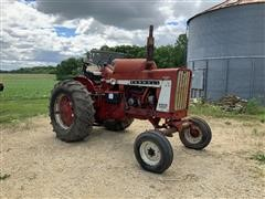 International 806 LP 2WD Tractor