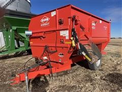 KUHN Knight Reel Auggie 3142 Feed Wagon