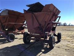 Gehl 9000HB Dump Wagon