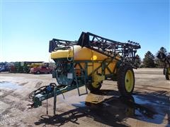 Redball 670 Pull-Type Sprayer W/100' Boom