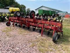 Case IH 183 16R30 Cultivator